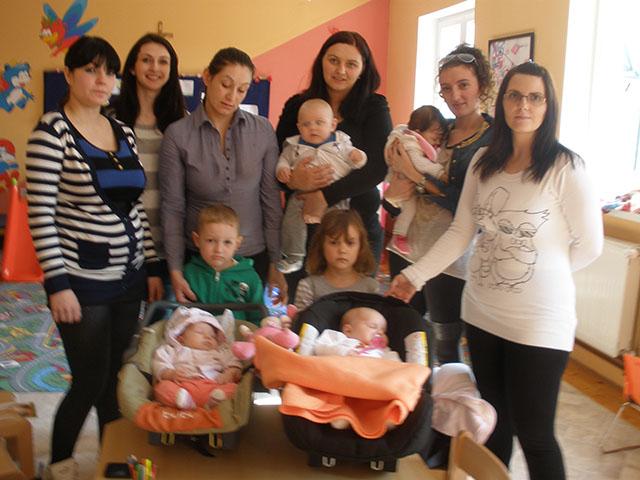 Gledate sliku iz ?lanka: Obnovljena grupa za potporu dojenja 'Izvor' u Maču 12.03.2014.